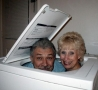 Funny Links - Couple in a Washing Machine