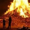 Cool Pictures - Huge Bonfire